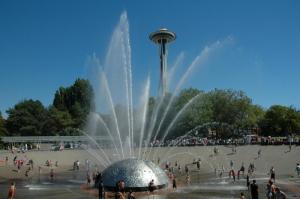 Seattle-Center-international-fountain